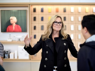 Apple's retail chief Angela Ahrendts to leave the company in April
