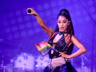 Attending Ariana Grande's 'Sweetener' tour? Someone may ask if you're registered to vote.