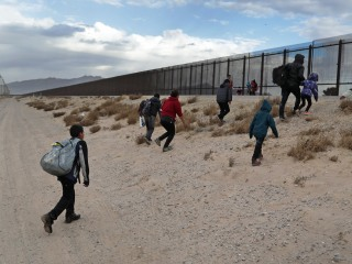 Trump plans to veto any Hill interference with emergency border declaration, say aides