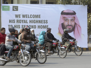 Saudi crown prince heads for Pakistan amid rising India tensions