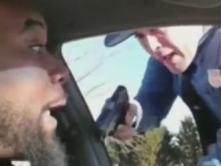 Delaware state trooper appears to pull gun on driver in traffic stop, video shows