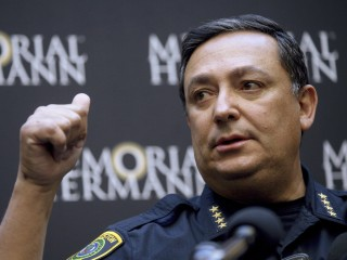Deadly Houston drug raid probed by FBI; prosecutor to review 1,400 cases of key officer