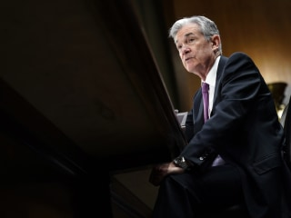 On '60 Minutes,' Fed chief Powell aims for middle ground