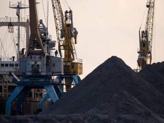U.N. report: North Korea evading sanctions by buying oil, selling coal, hacking banks