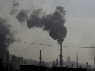 Blacks, Hispanics breathe more pollution than they make, report says