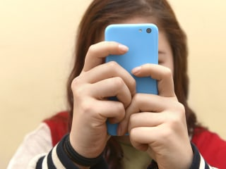 Social media linked to rise in mental health disorders in teens, survey finds