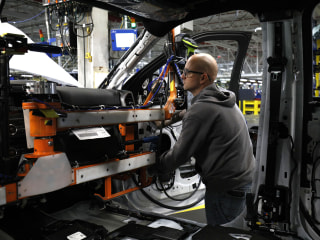 Ford adding 900 jobs, investing $900M in push toward electric and autonomous vehicles