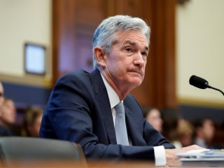 Fed ready to act if economy worsens, Powell says