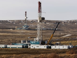 Citing climate change, U.S. judge blocks oil and gas drilling in large swath of Wyoming