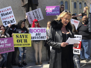 Stormy Daniels protests Illinois 'pole tax' on strip clubs