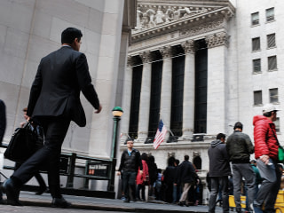 Wall Street bonuses declined 17% in 2018 ... to about $150,000