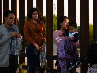 Judge blocks Trump administration policy of returning asylum seekers to Mexico