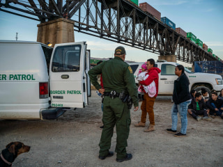 FBI arrests member of armed group stopping migrants in New Mexico