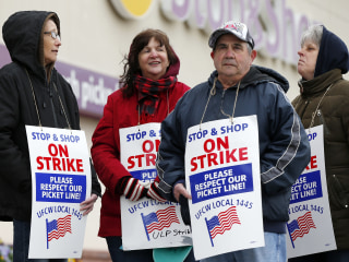 Tentative deal reached to end Stop & Shop strike, both sides say