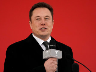 Musk claims Tesla will have 1 million robotaxis on roads next year