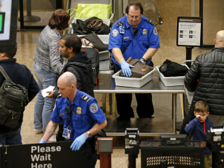 TSA identifies 200 agents, including air marshals, who can be sent to U.S.-Mexico border
