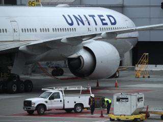 Passenger accused of groping teen aboard United Airlines flight