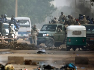 Machine-gun fire heard as troops besiege protest camp in Sudan