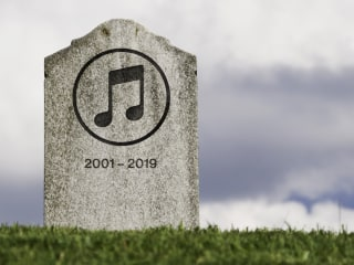 Apple is nixing iTunes. The fans — and the haters — bid farewell.