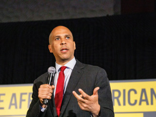 Cory Booker aims to give aging prisoners 'a second look'