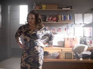 Luna Lauren Velez crosses to the opposite side of the law in 'Shaft'