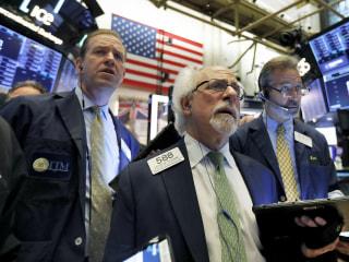 Despite positive tone from Fed, Wall Street still 'frozen' ahead of G-20