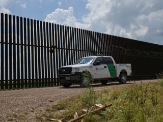 Border agent facing trial for hitting migrant with truck gets plea deal