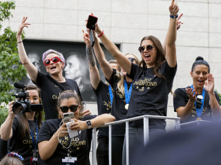 Women's World Cup soccer champions parade through Canyon of Heroes