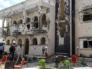 Dozens dead in attack on Somalia's Kismayo hotel