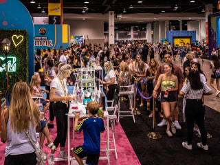 Dreams of movie stardom? Nah. Teens at VidCon long to be influencers