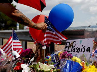 After El Paso, the White House looks to focus on guns over racial rhetoric