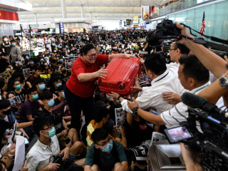Hong Kong airport cancels flights for second day amid protests