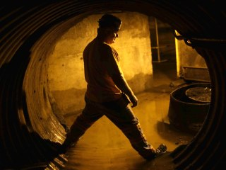 Coal workers fight for benefits as industry struggles under Trump