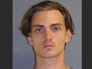 Florida man arrested after texting mass shooting plans