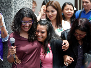In retrial, El Salvador acquits woman accused of killing her stillborn child