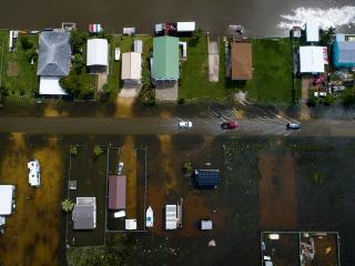 Imelda slams southeast Texas, bringing flash floods and mandatory evacuations
