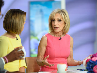 Andrea Mitchell accepts lifetime achievement award at news Emmys