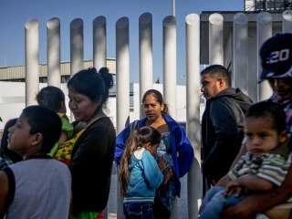 U.S. signs asylum deal with Honduras that could force migrants to seek relief there