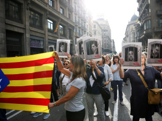 Spain jails leaders of Catalan independence bid for sedition