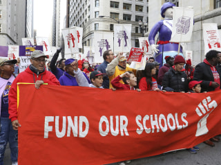 Chicago cancels classes Thursday in anticipation of teachers' strike