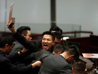 Opposition protests suspend Hong Kong assembly session