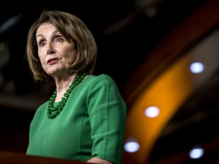 Pelosi in Jordan for 'vital discussions' amid Syria crisis