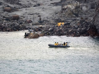 New Zealand team recovers 6 bodies from island after volcanic eruption