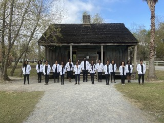 Med students send message with plantation photo: We are our ancestors' wildest dreams