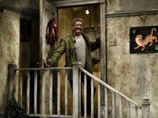 Eddie Murphy revives Gumby, Mr. Robinson in return to 'SNL' after 35 years