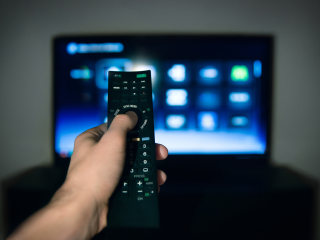 Trying to cut the cord? Cable companies are wooing people back by offering free streaming