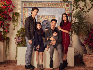 'Party Of Five' reboot aims to humanize immigrant families with a Latinx cast