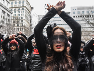 Protesters form flash mob outside Harvey Weinstein rape trial in New York