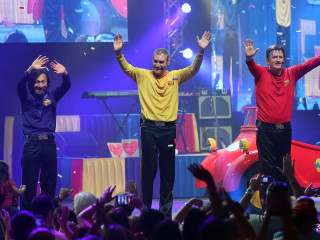 The Wiggles' founding member Greg Page collapses at concert for Australian fire victims