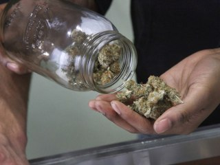Alaska pot shops to be among 1st in U.S. to allow consumption